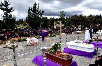 Gobernaci n de la paz entrega material de emergencia a for Cementerio jardin la paz bolivia